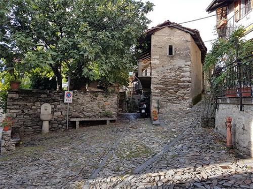 Cavandone (piazzetta)